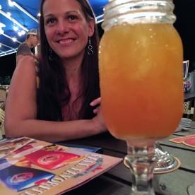 Le fameux drink à 16$ Regarder comme je suis contente!! Je ne sais pas le prix encore ;)